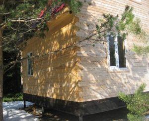 kamennyj-fasad-dlja-derevjannogo-doma-1
