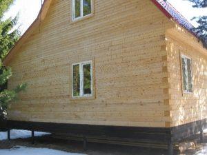 kamennyj-fasad-dlja-derevjannogo-doma-2