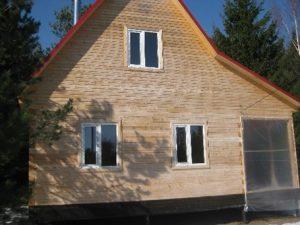 kamennyj-fasad-dlja-derevjannogo-doma