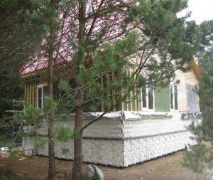 kamennyj-fasad-dlja-derevjannogo-doma-4